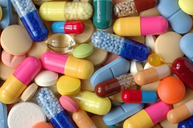 Dùng thuốc chống viêm giảm đau theo chỉ dẫn bác sĩ