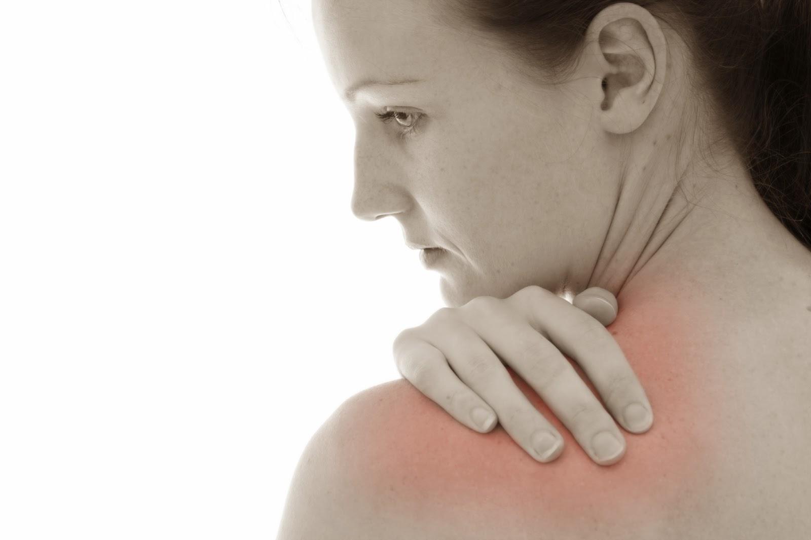 Nguyên nhân và phương pháp điều trị đau khớp vai