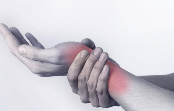 Nguyên nhân và cách điều trị bệnh viêm khớp cổ tay