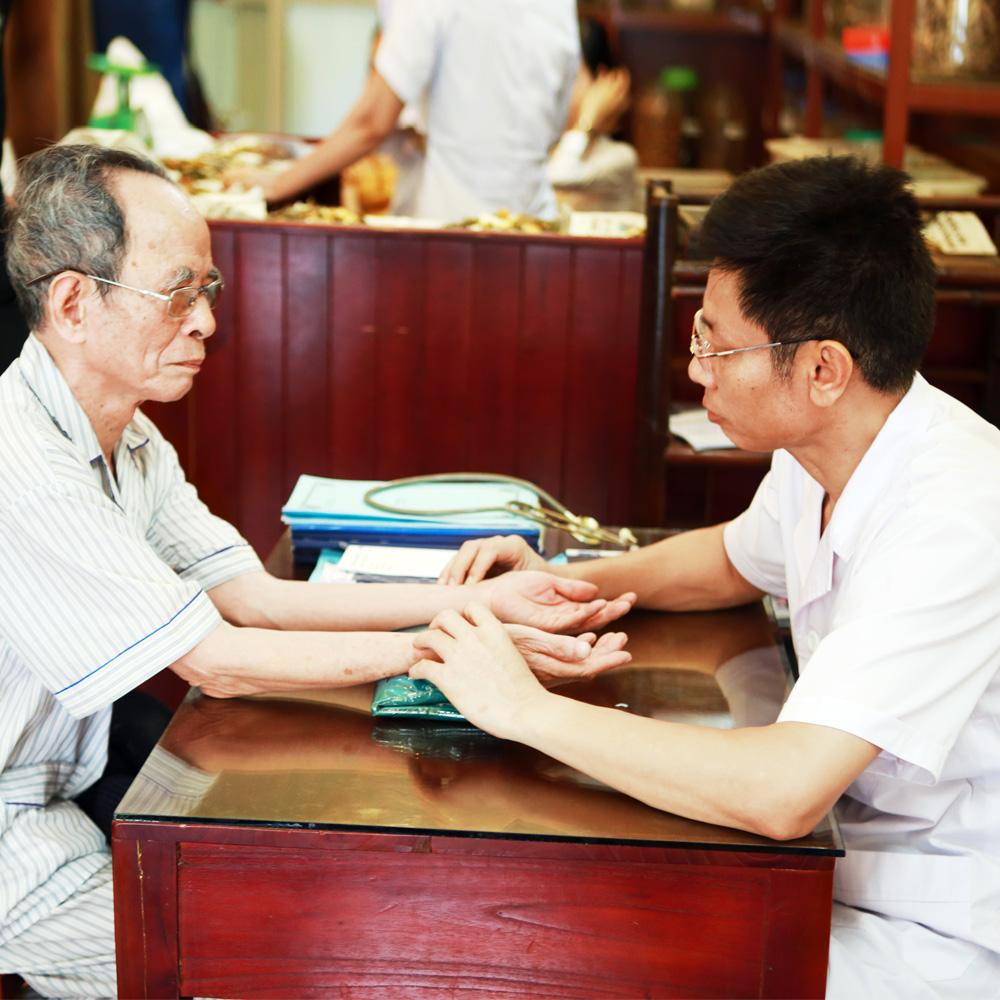 Biểu hiện bệnh thoát vị đĩa đệm do Ths.Bs Ngô Quang Hùng chia sẻ