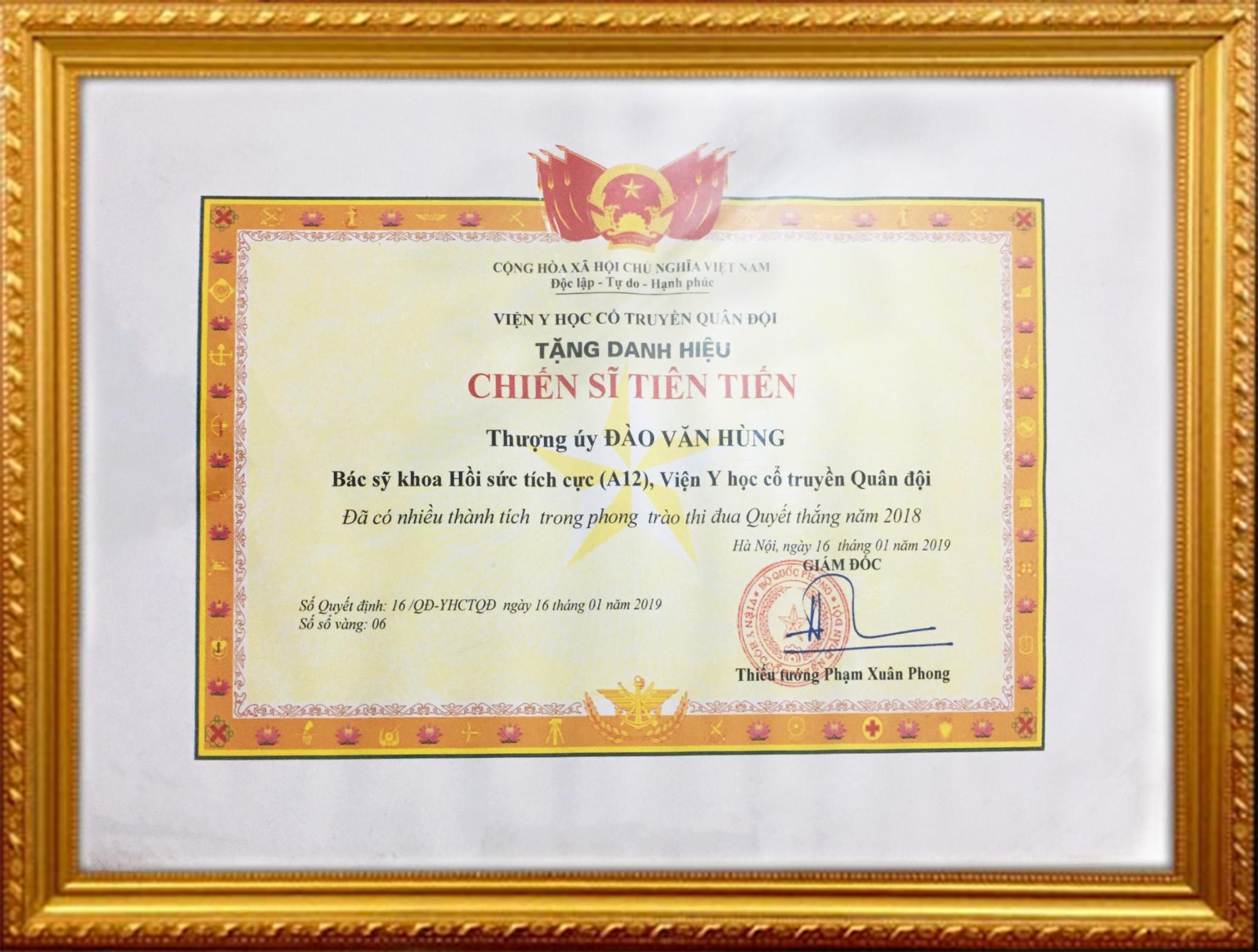 Bằng khen của giám đốc bệnh viện y học cổ truyền năm 2019 tặng Bs Đào Văn Hùng