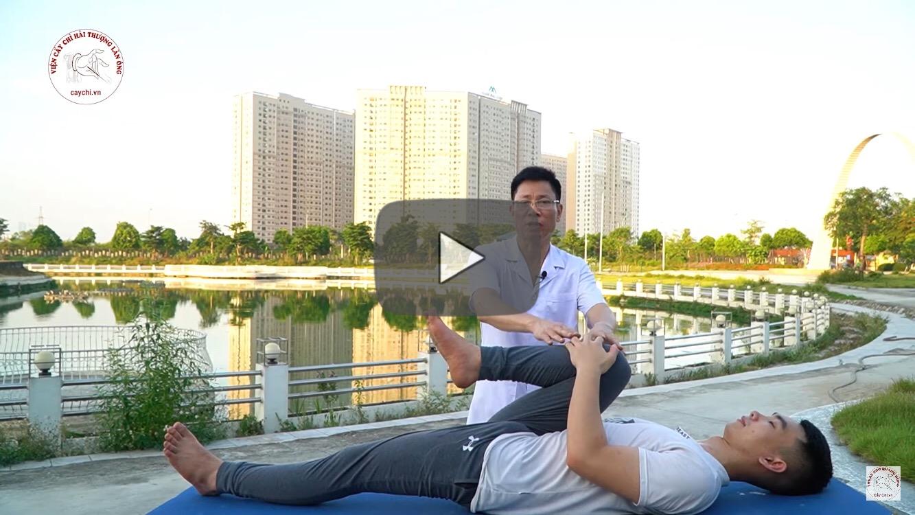 Ths.Bs Ngô Quang Hùng hướng dẫn một số động tác giúp phòng tránh và cải thiện các bệnh về xương khớp