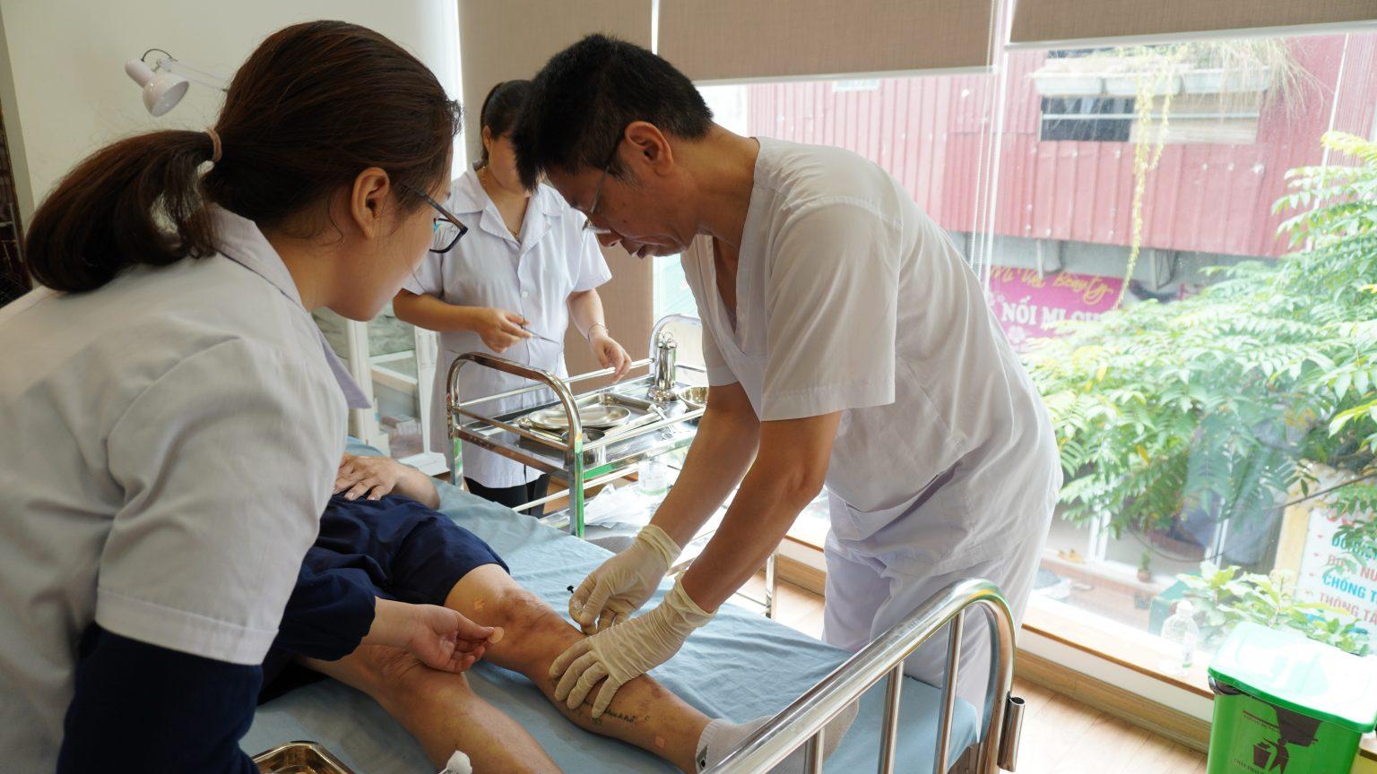 Thạc sĩ – Bác sĩ Ngô Quang Hùng – người đặt nền móng cho phương pháp Cấy chỉ tại Việt Nam